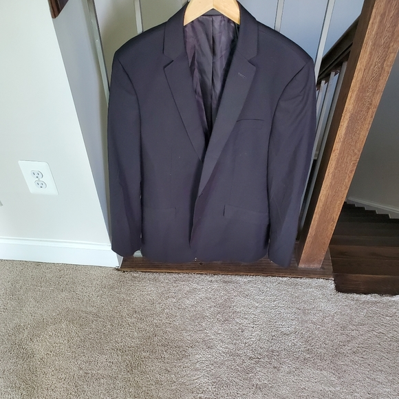 Kenneth Cole Other - Mem suit coach